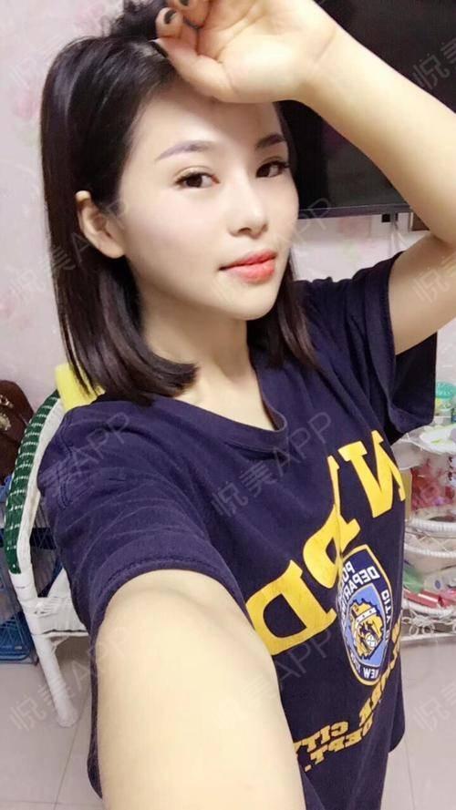 最近呢休了一个长假,剪了短发和好朋友去了三亚玩,这边的天气很暖和,而且,是一个适合度假的好地方,宝宝们最近怎么样呢,杭州...